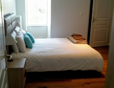 Kingsize bedroom and en suite (cot can be added for exclusivity rental)