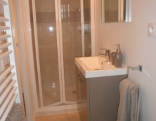 En suite bathroom to kingsize / twin room no. 2